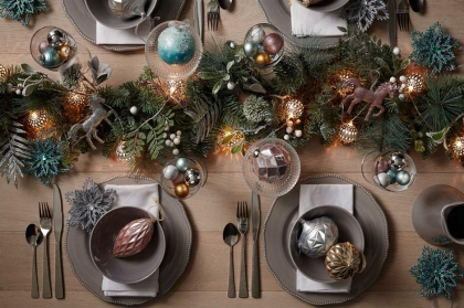 Lay The Perfect Christmas Table